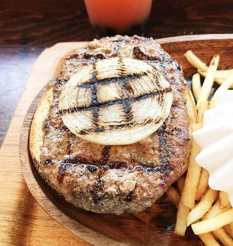 KUA`AINA(クア・アイナ)ハンバーガー写真