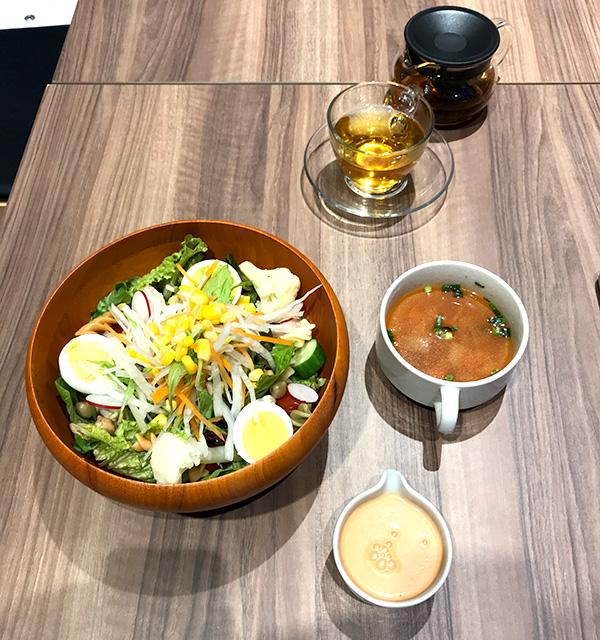 価格.com GG ShibuyaMobile esports cafe&bar パワーサラダランチ写真