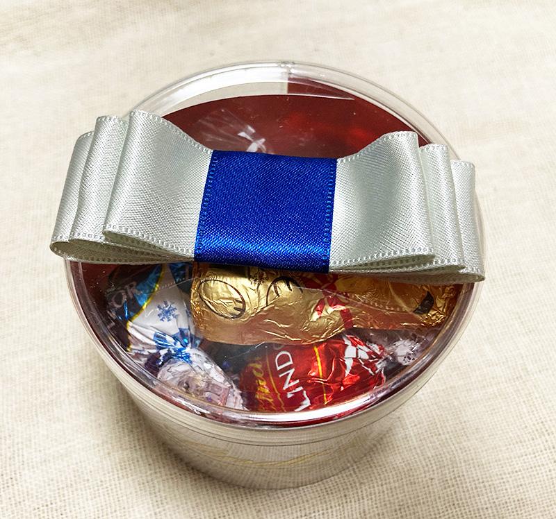 Lindt(リンツ)のクリスマスコレクション2020 クリスマス リンドール リボンギフトボックス 8個入り<
